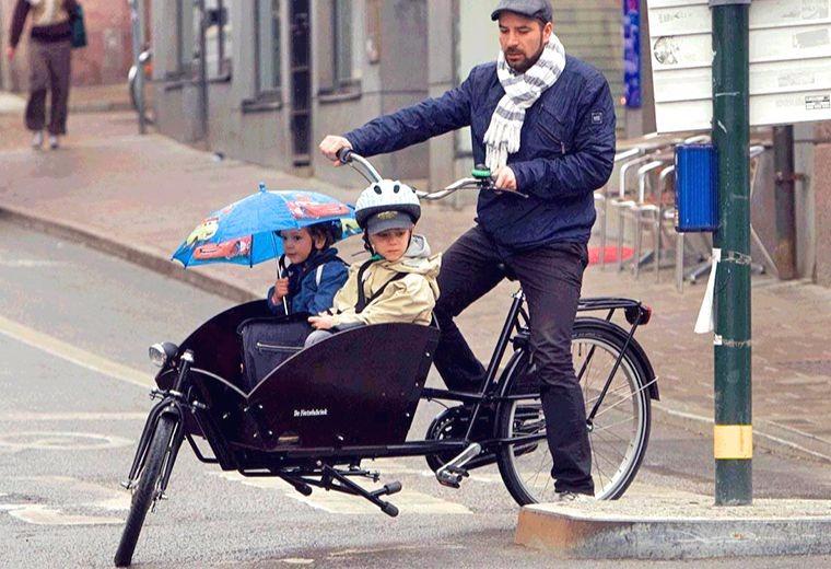 Simon-med-Barn-Lådcykel